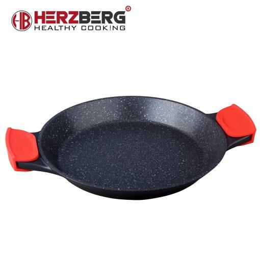 fraîchement servie dans votre cuisine. Le Herzberg HG-7132PP est un moule à paella de 32 cm qui permet de servir jusqu'à 8 personnes. Cette poêle à paella est fabriquée en aluminium moulé sous pression durable et revêtue de marbre qui offre une performance antiadhésive sans précédent sans risque d'exposition à ces produits chimiques controversés. Ce revêtement en marbre est sans PFOA et suffisamment dur pour résister aux rayures. La poignée est entièrement intégrée et accompagnée d'une poignée en silicone souple résistante à la chaleur et amovible. Le corps en aluminium a une base aimantée pour une utilisation avec des poêles à induction à transfert de chaleur rapide. La construction complète de cette poêle à paella est remarquable car elle chauffe rapidement et a une distribution de chaleur parfaite et aucun point chaud et brûlure inégale