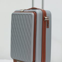 Herzberg Travel HG-8064SLV: Sac Cabine - ArgentAssurez vos effets personnels en toute sécurité pendant tout le voyage et les voyages et profitez de votre voyage d'affaires et de vacances sans stress avec le sac de cabine Herzberg HG-8064SLV. Cet étui rigide est fabriqué à partir de matériaux ABS de première qualité